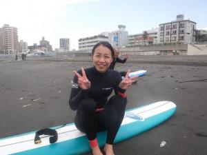 サーフィン終わり!たくさん乗れてましたね。素晴らしいです!ウエット新しいのがきて嬉しそうですね。お似合いです!!