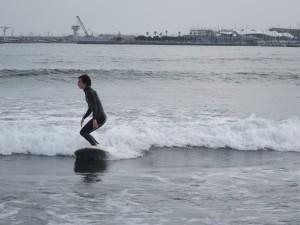 最近波がある日が増えてきました。波の力で波乗り気持ち〜ですよ!ぜひこれからサーフィンを始めたい方はお越し下さい。