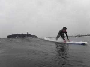 江ノ島バックにいい写真が撮れました!天気が曇りなのは残念ですが涙