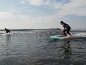 ヒザ上の波! のんびりサーフィンができました!