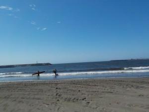 天気はいいけど、波が小波!もう少し欲しいですね