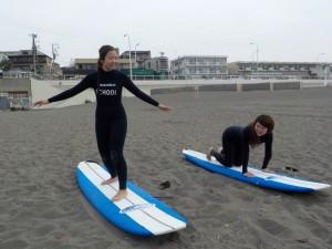 初めてサーフィン! いい波に乗りましょうね♪