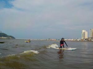 ひざ下の波! ゆったりサーフィン。
