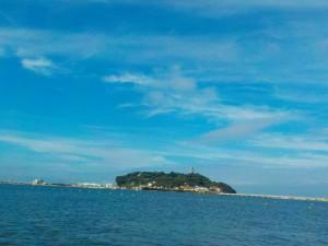 さあ〜今日も朝からサーフィンだ!!天気がよく爽快!