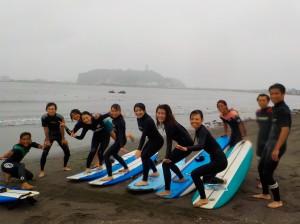 台風の影響もなく、ハードだった波も優しい波と変わり、体験、初級スクール日和!