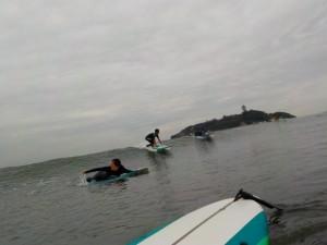 モモ〜コシの波!